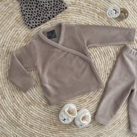 NEWBORN | Overslag shirt soft rib sand