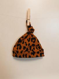 NEWBORN   Knoopmutsje roest leopard