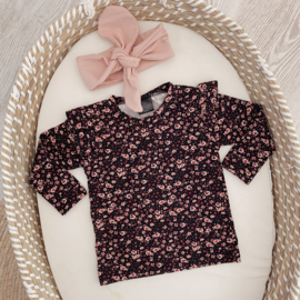 Ruffle shirt flower