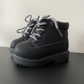 Like timber boots black