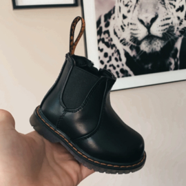 Low black boots