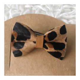 LEOPARD BOW PIN