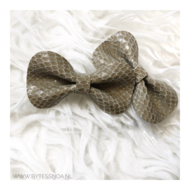 BROWN SNAKE BOW PIN