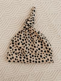 NEWBORN   Knoopmutsje cheetah