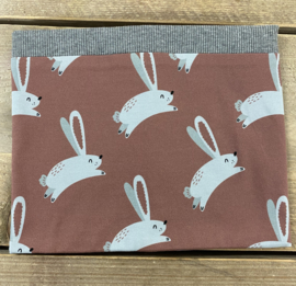 Malinami -  Hare on Dusty Rose Scarf