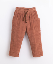 Play Up - Corduroy Trousers in Organic Cotton Sanguine