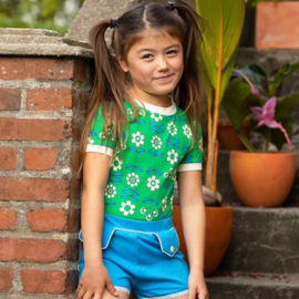 Alba Of Denmark - Bella T-Shirt Kelly Green Fairy Tail Flowers