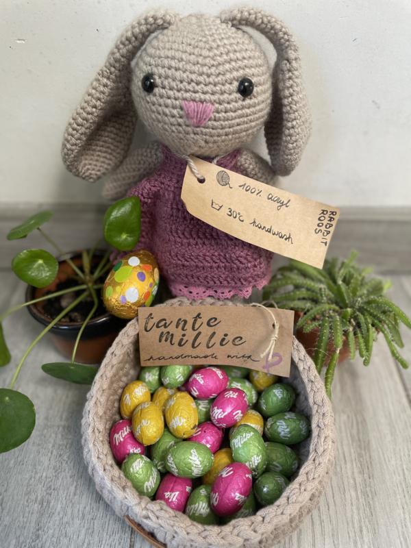 Tante Millie - Roos Rabbit Amigurumi 27cm