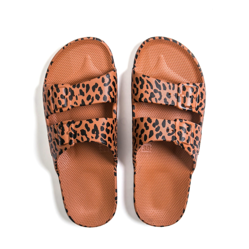 Freedom Moses - Leo Toffee Slipper (fancy)