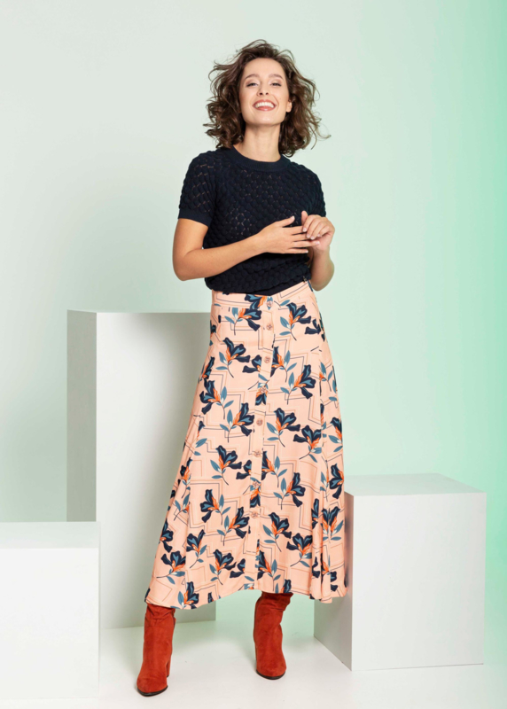 4 Funky Flavours - Woman Skirt Letting it Flow