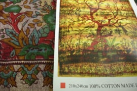 *[ N-0403 ] Kleed; Boom in Bordeaux/Bruin, 210 x 240 cm.