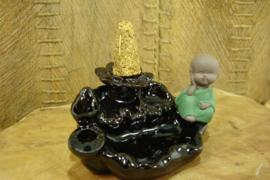 *[ N-0545 ] Back Flow houder 12 cm.  Boeddha op vijver rand, Zwart Keramiek