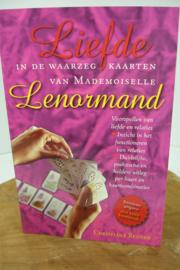 *[ N-0524 ] Boek; Waarzegkaarten LIEFDE van Lenormand