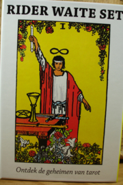 *[ N-0439 ] Kaarten; Rider Waite set met groot boek