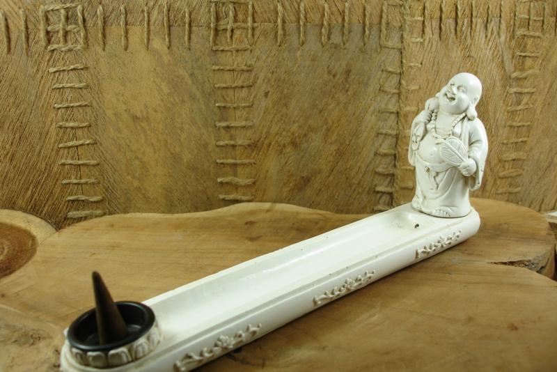 *[ N-0421 ] Wierook plank  25 cm. van Polystone wit, met rijke Boeddha