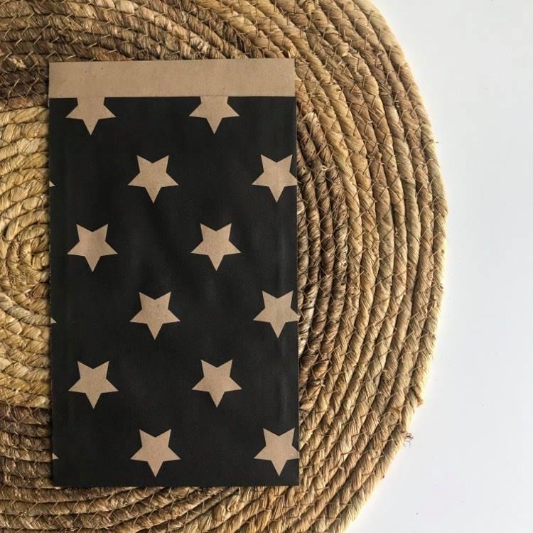 Kraft zwart met sterren | Kadozakjes 5 st.