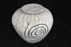 Raku urn met spiraal vorm (Taps)