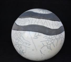 Raku urn met golvende lijnen (4-4,5 liter)