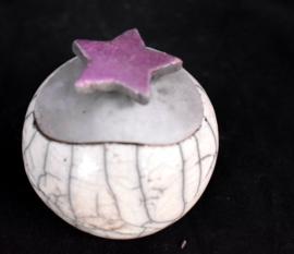 Mini urntke met lila sterretje op het deksel (60-100ml)