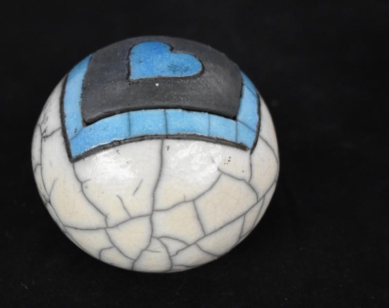 Mini urn met blauw hartje (80-100ml)