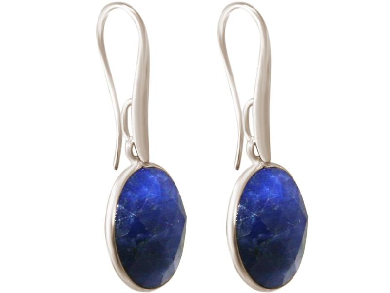 Ovale oorbellen met nachtblauwe saffieren in 925 zilver