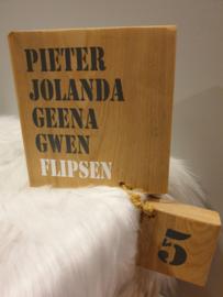 Stoer steiger houten naam bord
