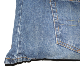 Sierkussen van denim met 1 grote zak 40x40 cm