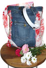 Schoudertas denim met rode en roze bloemen