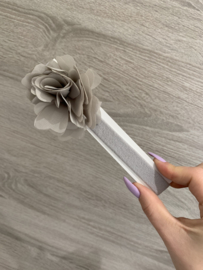 Siena | newborn haarband met bloem -  Grijs