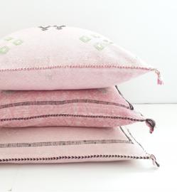 Sabra Silk kussen pink 1