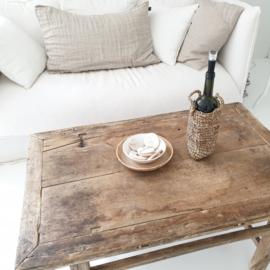 Oud  houten tafeltje 4