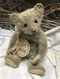"""🌸  Hug Me Again Collectible bear """"Olive"""" standing about 8"""" inch tall."""