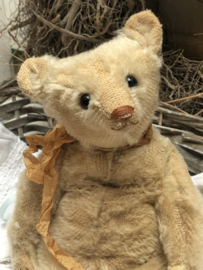"""🌸  Hug Me Again Collectible bear """"Hartley"""" standing about 10"""" inch tall."""