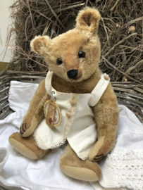 """🌸 Hug Me Again Collectible bear """"Cookie"""" standing about 13.25"""" inch tall."""