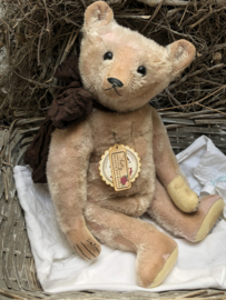 """🌸 Hug Me Again Collectible bear """"Sally"""" standing about 14.5"""" inch tall."""