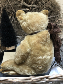 """🍄 Hug Me Again Collectible bear """"Wally"""" standing about 12"""" inch tall."""