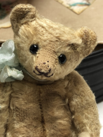 """🌸  Hug Me Again Collectible bear """"Pierre"""" standing only 5"""" inch tall."""