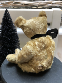 """🍄  Hug Me Again Collectible bear """"BOO"""" standing only 7"""" inch tall."""