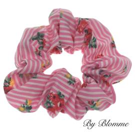 Scrunchie roze wit gestreept met bloemetjes