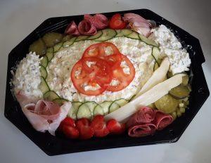 Opgemaakte saladeschotels