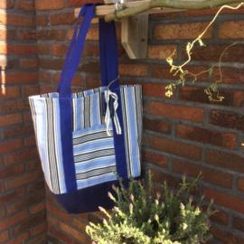 Blauw gestreepte tas