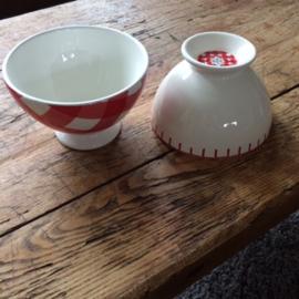 Kom rood wit festonsteek 14,5 cm