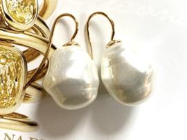 Barok parel oorbellen roomwit/goud