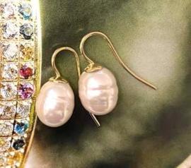 Kleine parel oorbellen roze/goud
