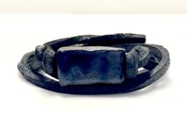 Armband keramiek blokje oliezwart