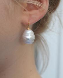 Barok parel oorbellen groot goud/goud