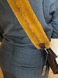 Schouderband bont okergeel met roze/goud band