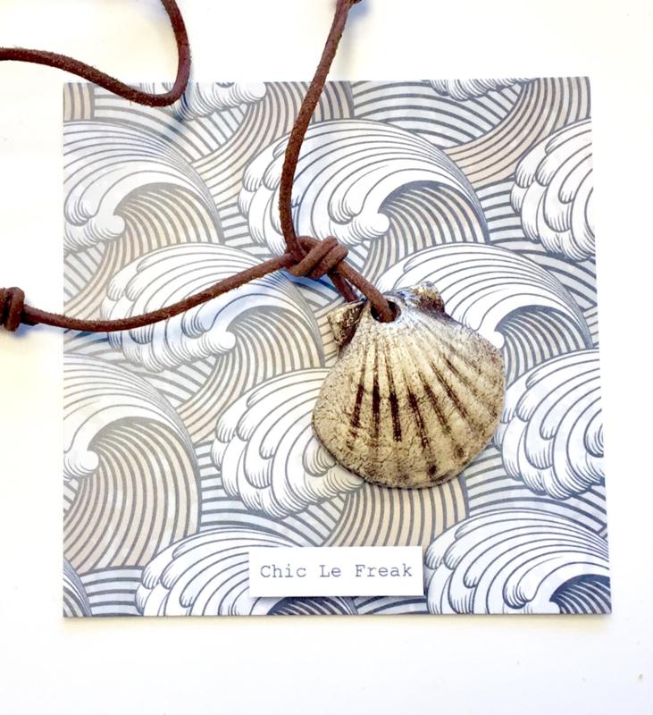 Ketting schelp beige bruin koord