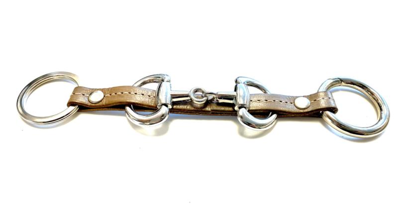 Sleutelhanger paardenbit taupe