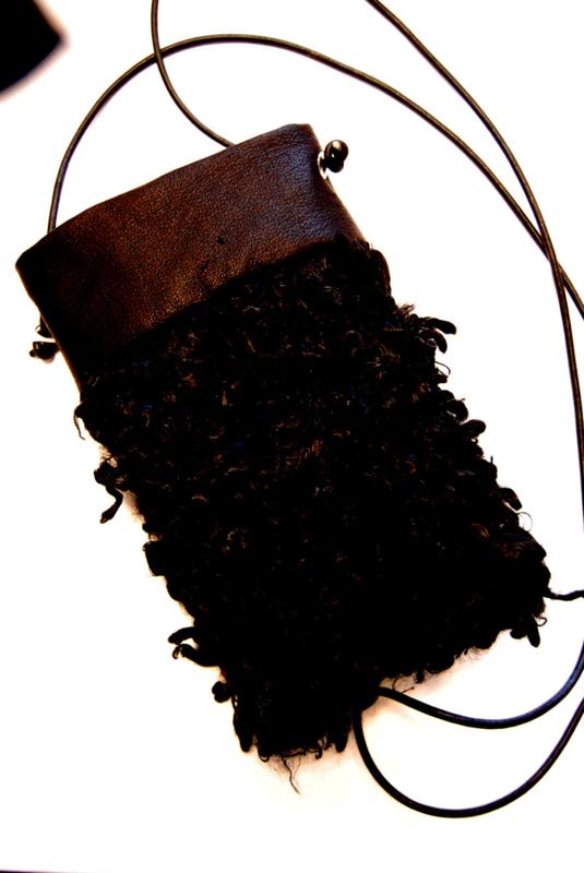 Telefoontasje bont zwart